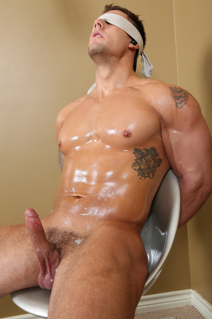 Amateur milfs stripping online